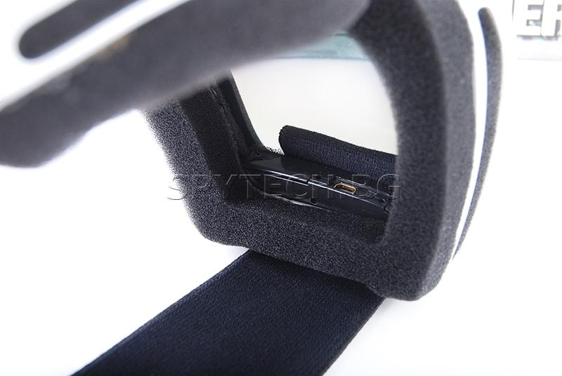 Камера в ски маска